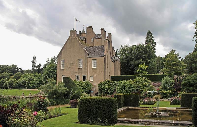 Castles in Scotland | Crathes Castle