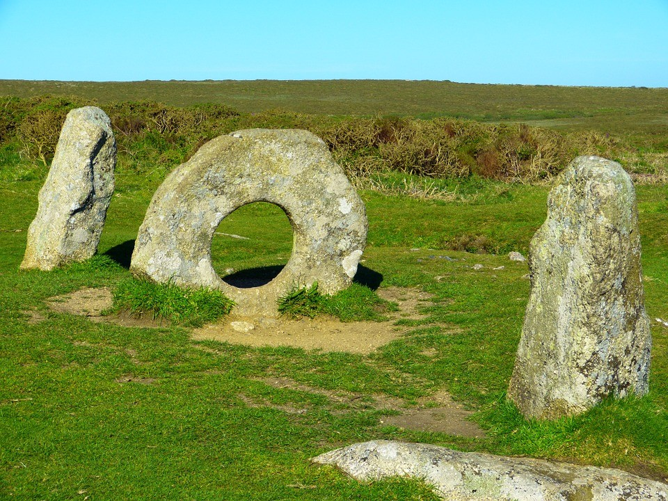 Best Things To Do In Cornwall | Bronze age megalithic monument