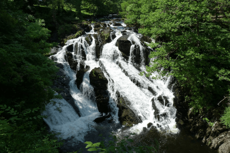 An overhead view of the swift rapids of the Falls. Photo: Pixabay