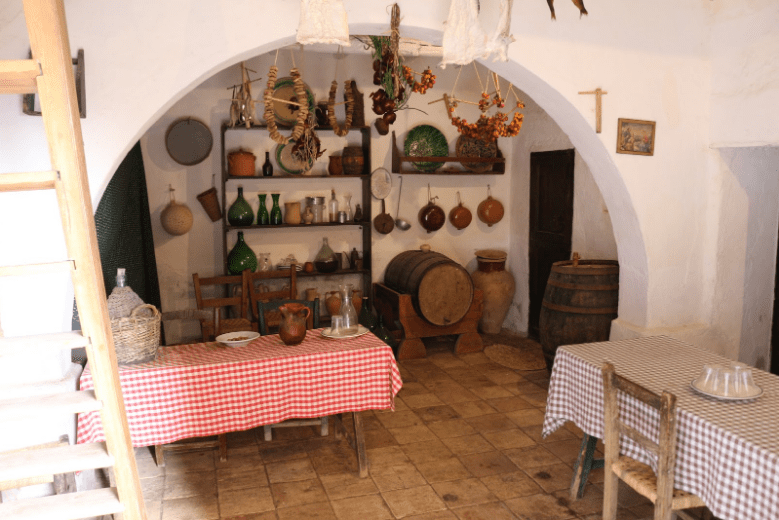 Best Things To Do in Sicily | Some of the chambers of Grotta Mangiapane